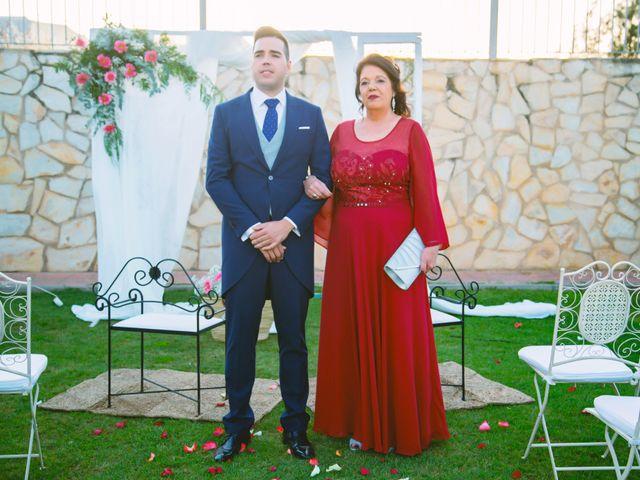La boda de Fran y Cristina en Villafranca De Los Barros, Badajoz 26