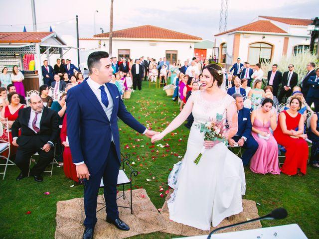 La boda de Fran y Cristina en Villafranca De Los Barros, Badajoz 32
