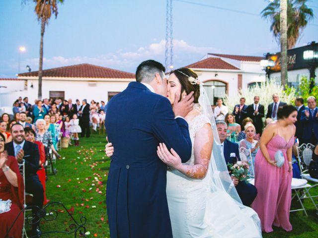 La boda de Fran y Cristina en Villafranca De Los Barros, Badajoz 37
