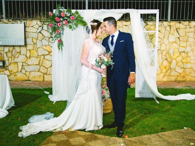 La boda de Fran y Cristina en Villafranca De Los Barros, Badajoz 39