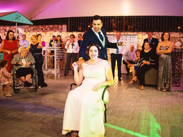 La boda de Fran y Cristina en Villafranca De Los Barros, Badajoz 53