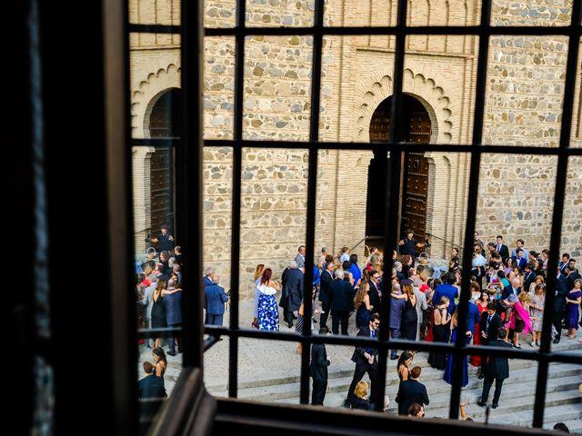 La boda de Velentin y Laura en Toledo, Toledo 26