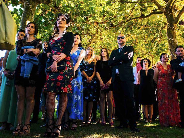 La boda de Simón y Elena en Navia, Asturias 6