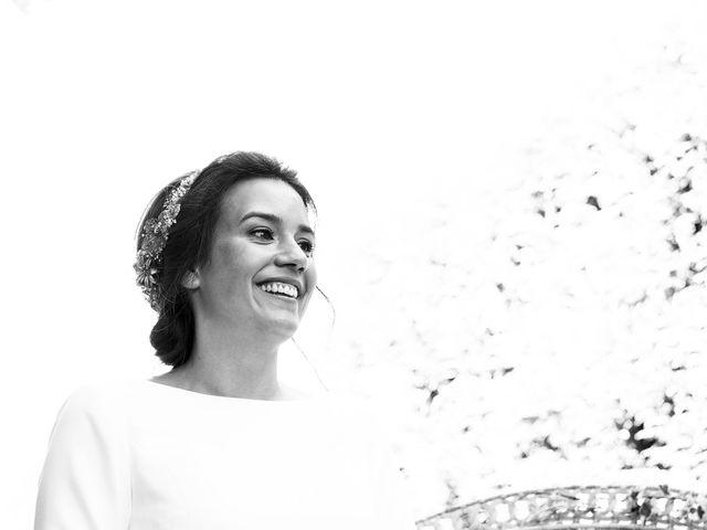 La boda de Simón y Elena en Navia, Asturias 8