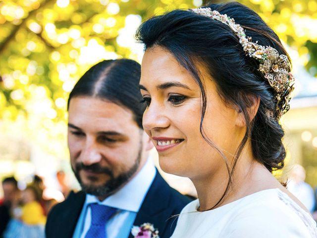 La boda de Simón y Elena en Navia, Asturias 12