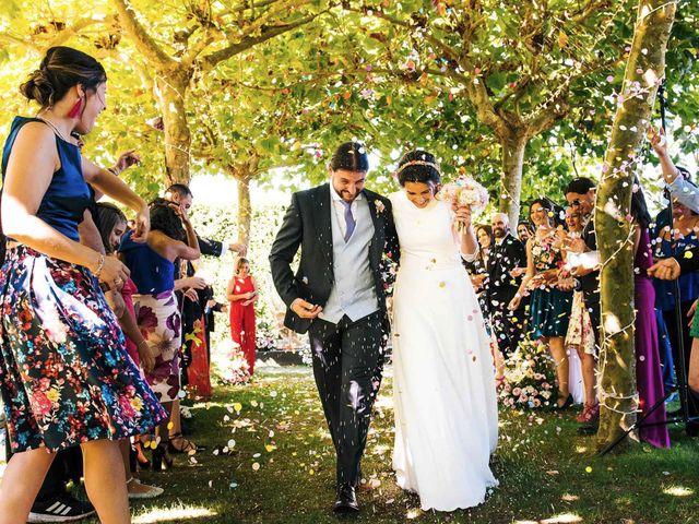 La boda de Simón y Elena en Navia, Asturias 13