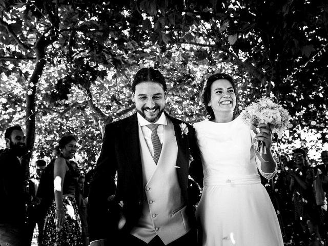 La boda de Simón y Elena en Navia, Asturias 14