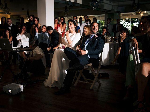 La boda de Simón y Elena en Navia, Asturias 34