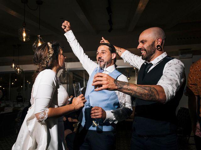 La boda de Simón y Elena en Navia, Asturias 37