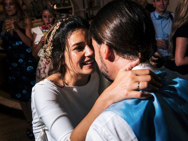 La boda de Simón y Elena en Navia, Asturias 42