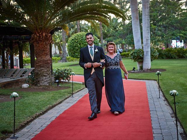 La boda de Adrián y Marta en Las Meloneras, Las Palmas 23