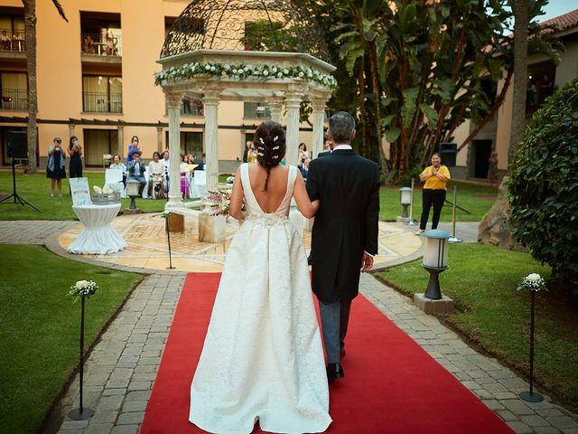 La boda de Adrián y Marta en Las Meloneras, Las Palmas 27