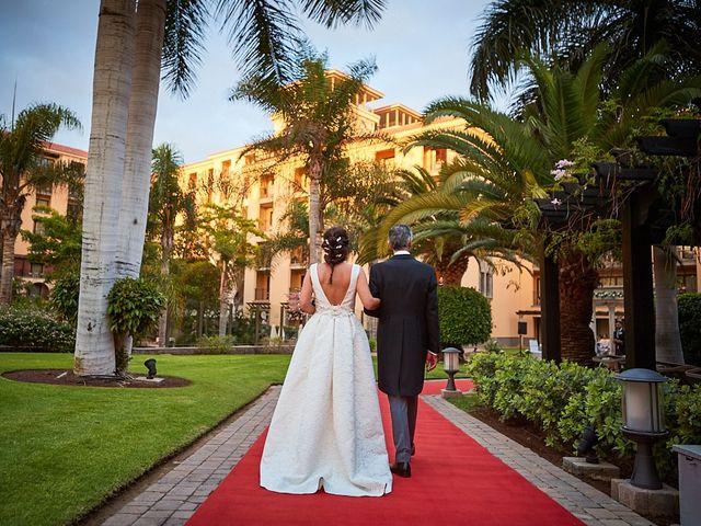 La boda de Adrián y Marta en Las Meloneras, Las Palmas 29