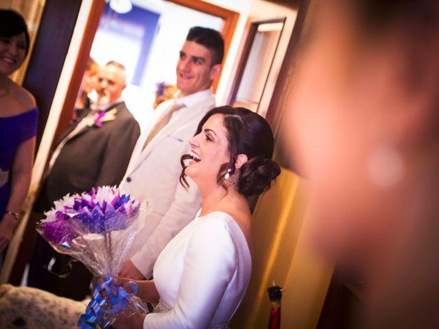 La boda de Cristian y Verónica en Castelló/castellón De La Plana, Castellón 16