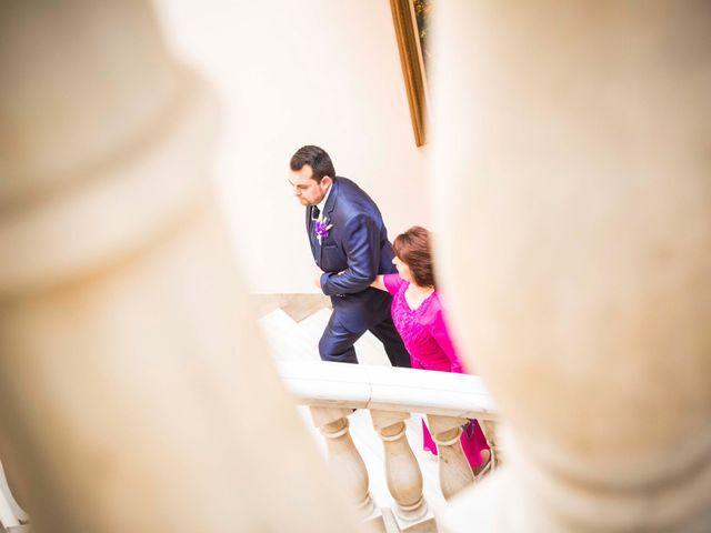 La boda de Cristian y Verónica en Castelló/castellón De La Plana, Castellón 17