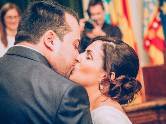 La boda de Cristian y Verónica en Castelló/castellón De La Plana, Castellón 19