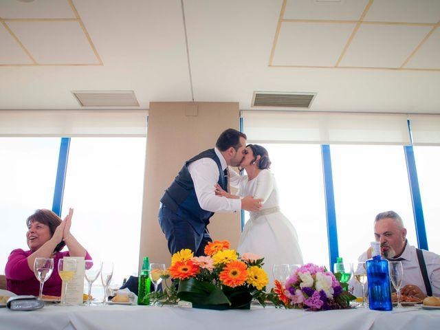 La boda de Cristian y Verónica en Castelló/castellón De La Plana, Castellón 24