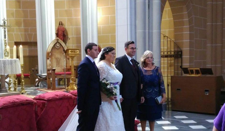 La boda de César y María Teresa  en Alacant/alicante, Alicante