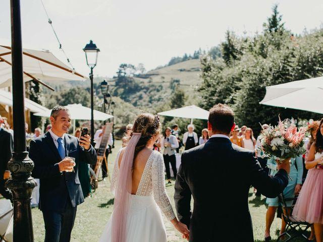 La boda de Juan y Ali en Ribadesella, Asturias 89