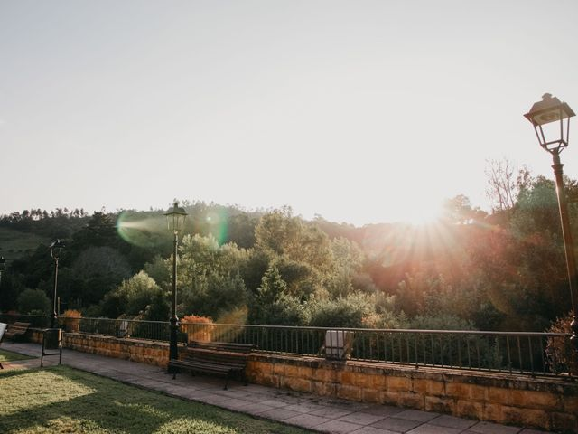 La boda de Juan y Ali en Ribadesella, Asturias 97