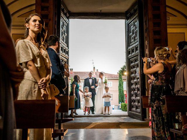 La boda de Arturo y Vicky en Boadilla Del Monte, Madrid 17
