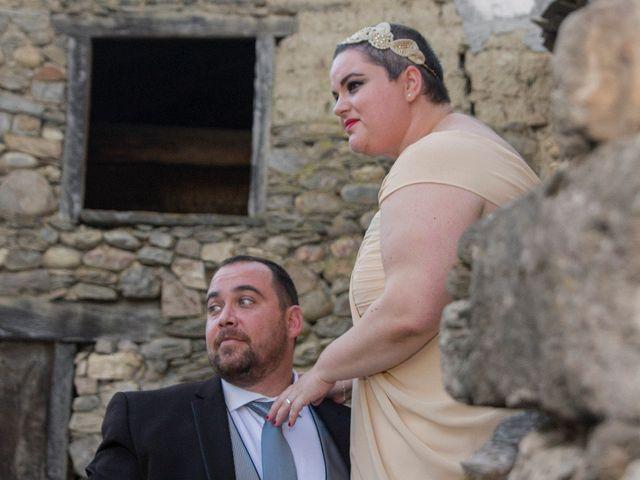 La boda de Javi y Nieves en San Roman De Bembibre, León 25