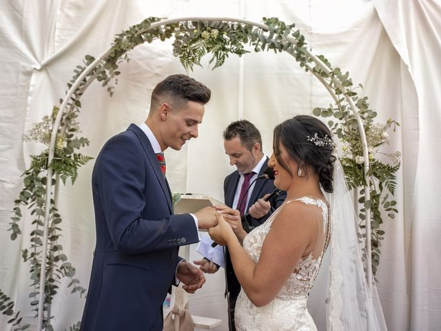 La boda de Nazaret y Adrián en San Fernando, Cádiz 19