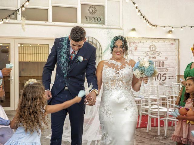 La boda de Nazaret y Adrián en San Fernando, Cádiz 23