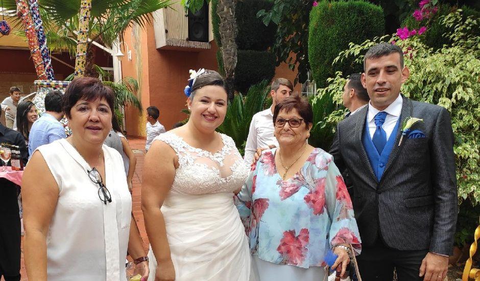 La boda de Toni y Lidia en Potries, Valencia