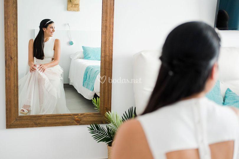 Novia ante el espejo
