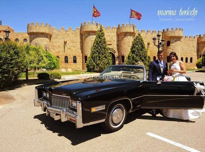 En el coche de boda