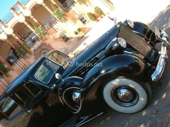 Packard Twelve Mireia