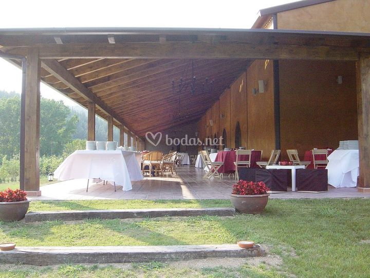 El porche de madera de 380m2