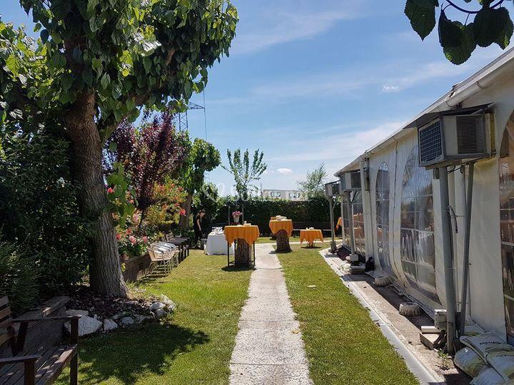 Jardines privados carpa