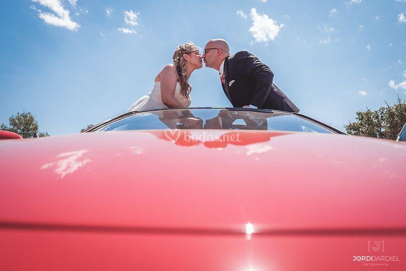 Pon un coche rojo en tu boda