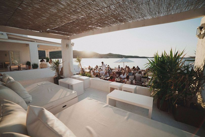 Isabella Beach Club