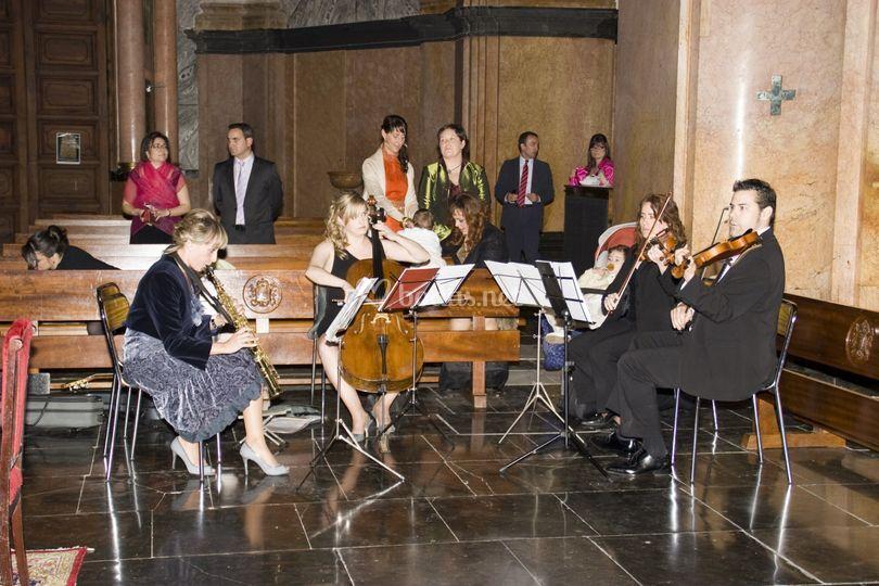 Saxo, cello, violin y viola