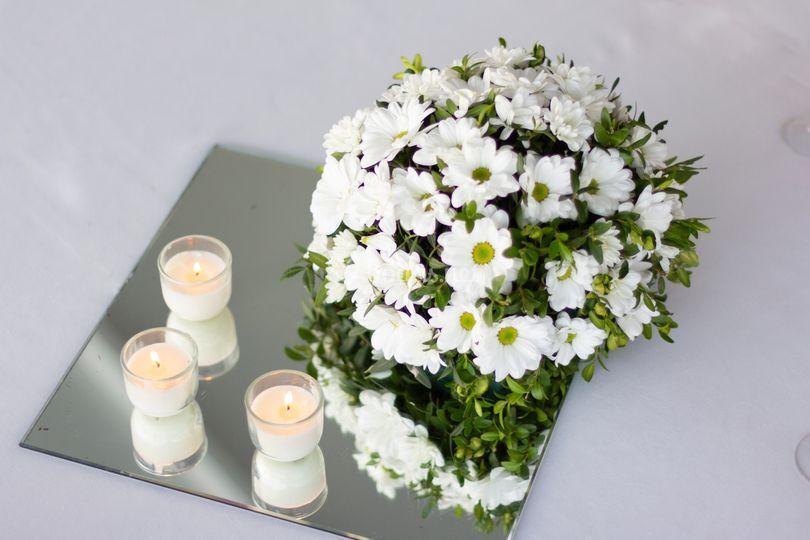 Flor natural y velas