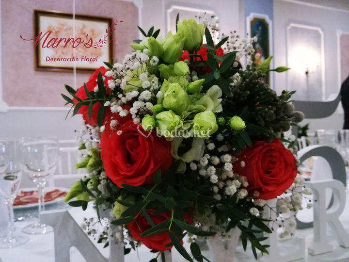 Ramo de rosas de estilo silvestre