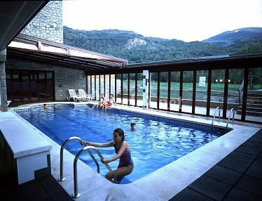 Gran hotel benasque spa for Precio piscina climatizada