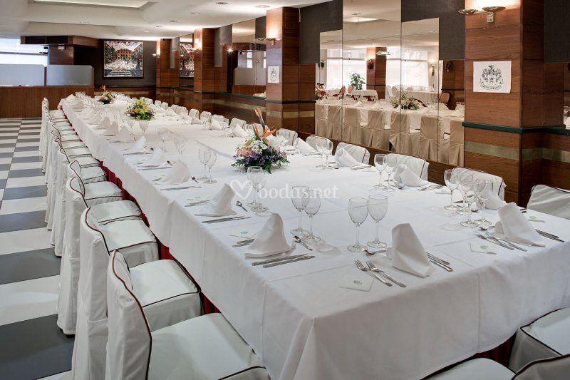 Gran mesa para evento