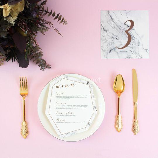 Mesero y minuta mármol