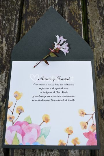 Invitación flores de acuarela