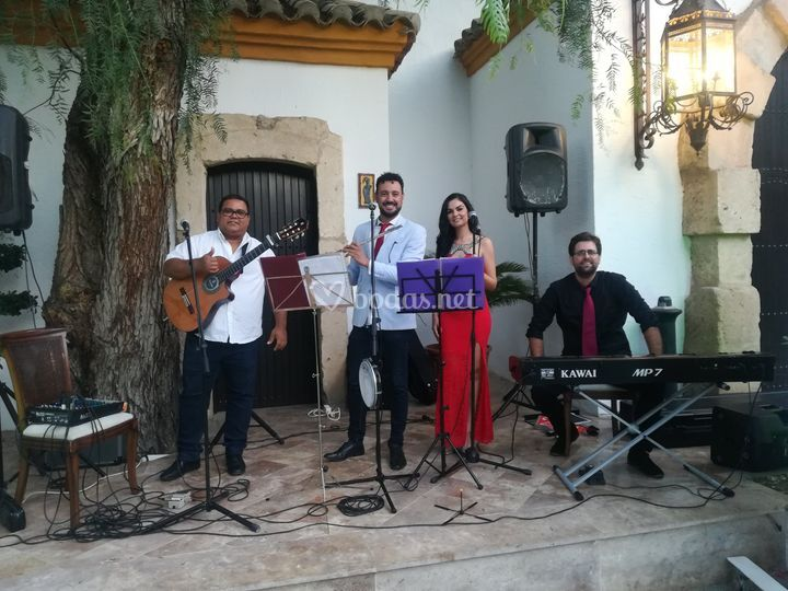 Piano, guitarra, vientos