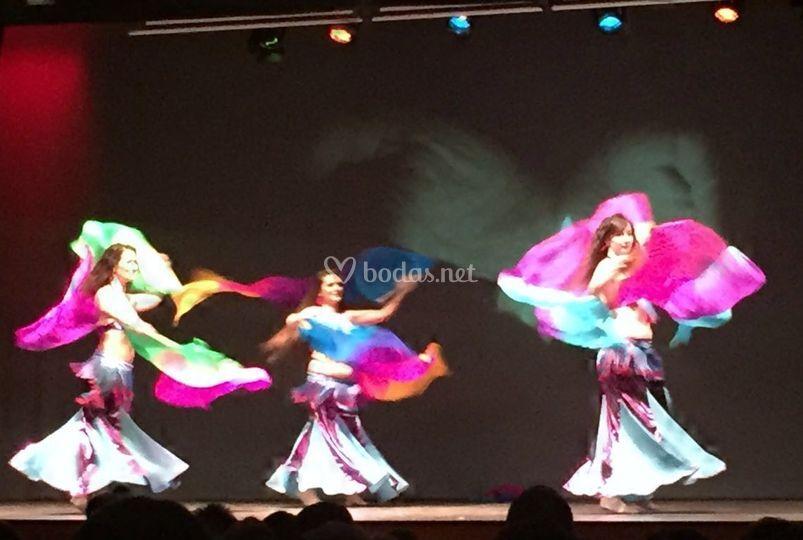 Danza oriental, abanicos seda