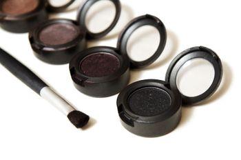 Tutorial de maquillaje en look ahumado para bodas de tarde