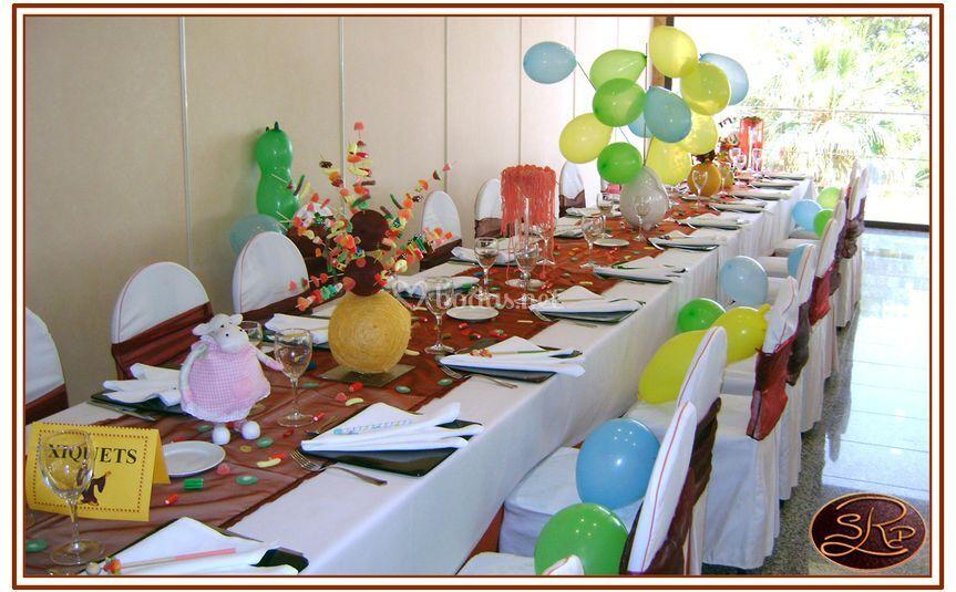Mesa para niños en comuniones