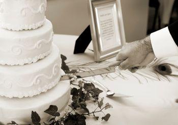 Cómo hacer un pastel de boda de tres pisos