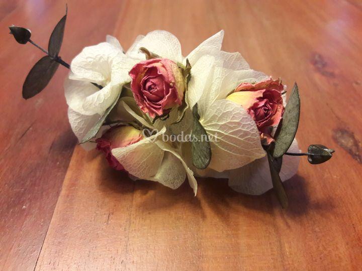 Pasador rosas rosas