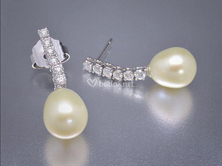 Pendientes de perlas y diamantes